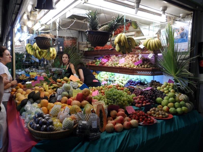 Shopping in Alicante, Market.